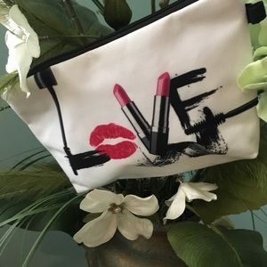 Accessories - Accessory Bag Pouch Makeup Bag NWT